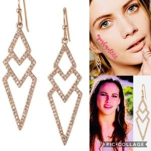 :: S&D 🌸⭐️💫Rose Gold Pavé Spear Drop Earrings